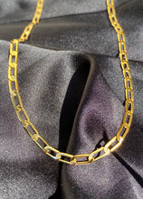 Load image into Gallery viewer, Figaro Chain Choker in Gold