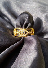 Load image into Gallery viewer, 18k Evil Eye Ring