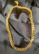 Load image into Gallery viewer, Cuban Link Choker in Gold