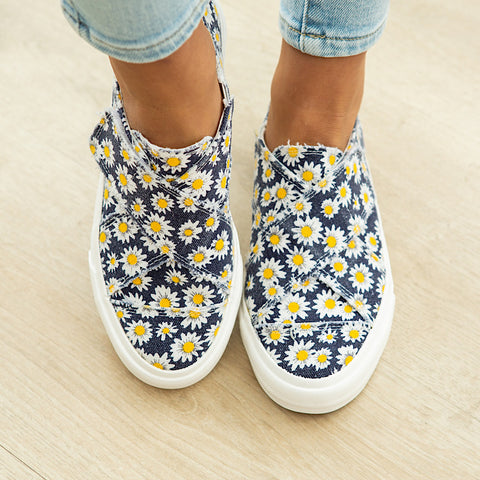 Gypsy Jazz Ivory Slip on Sneaker - Navy & Yellow