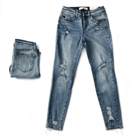 NEW! Must Have Light Wash Distressed Jeans