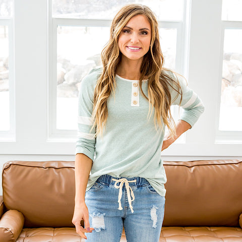 NEW! Reese Heathered Mint 3/4 Sleeve Button Up Top