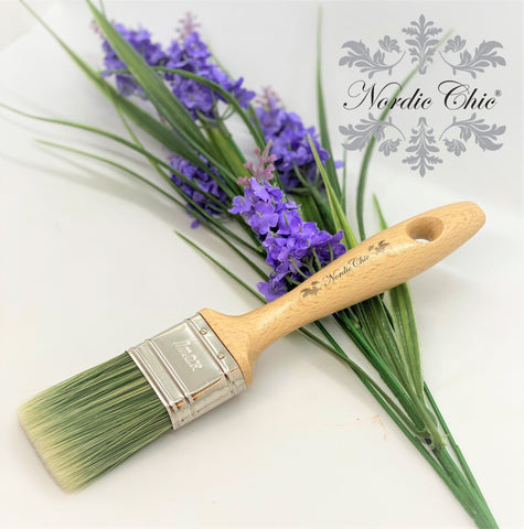 Nordic Chic Flat Brush