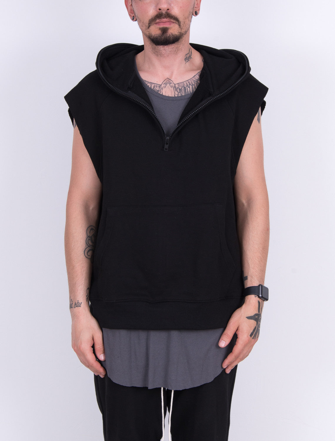 BLACK OVERSIZED SLEEVELESS ANORAK HOODIE