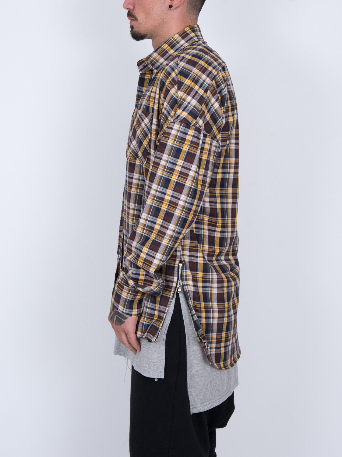 BROWN  SIDE ZIP SLEEVE LONG FLANNEL