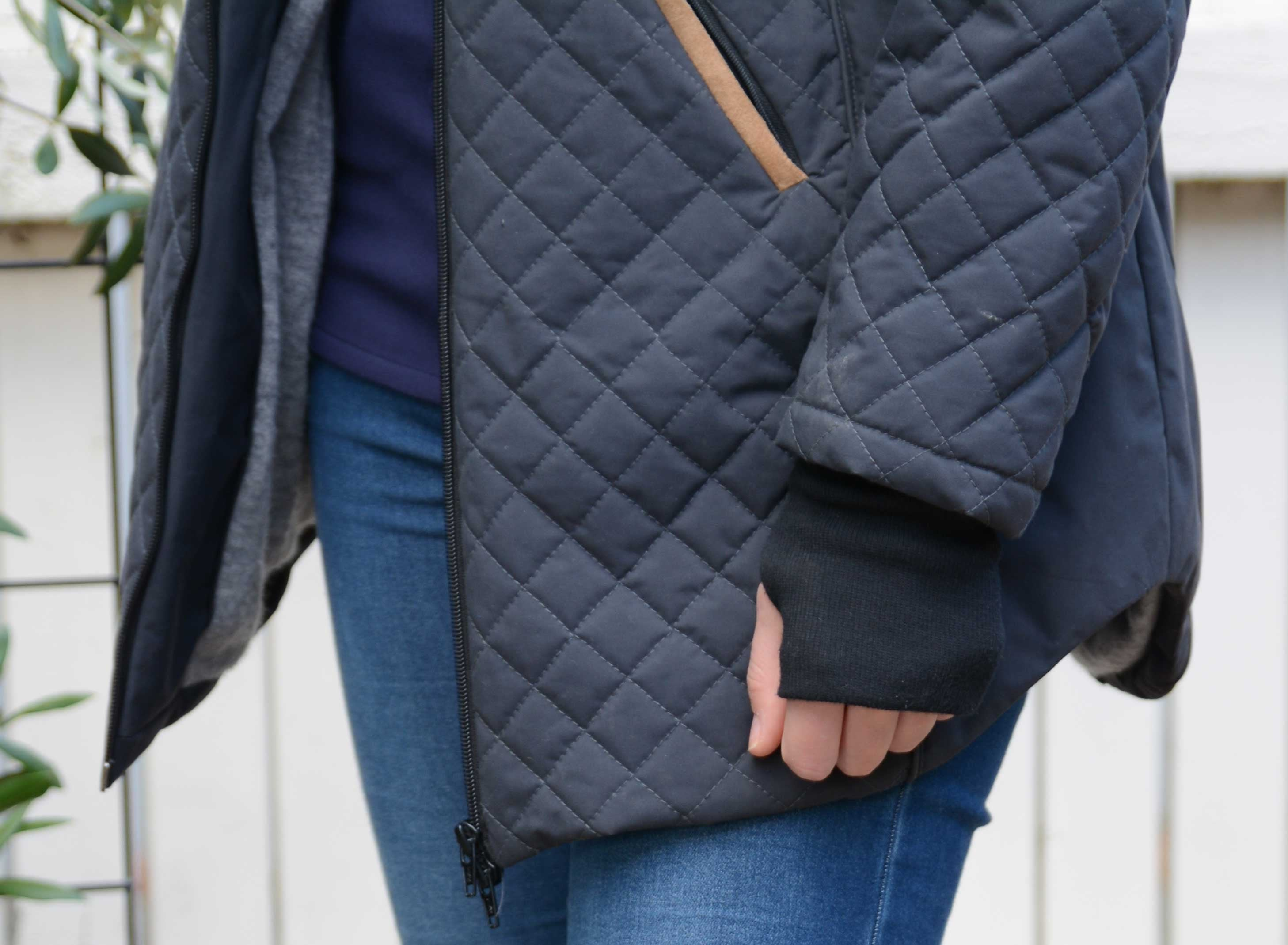 Queen Quilted Coat | Dark Grey/Black