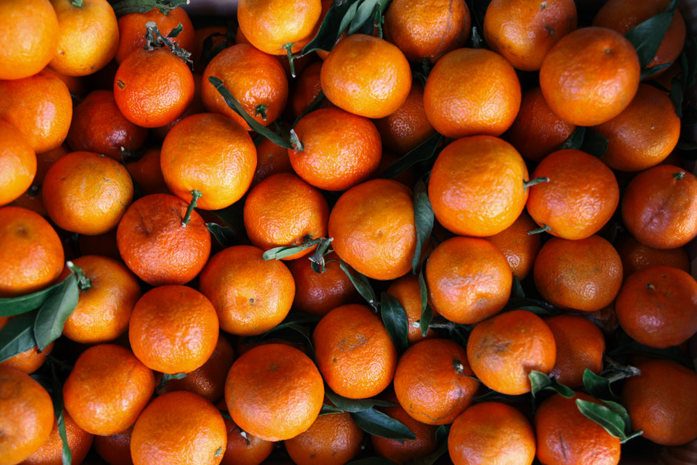 christmas leafy clementines