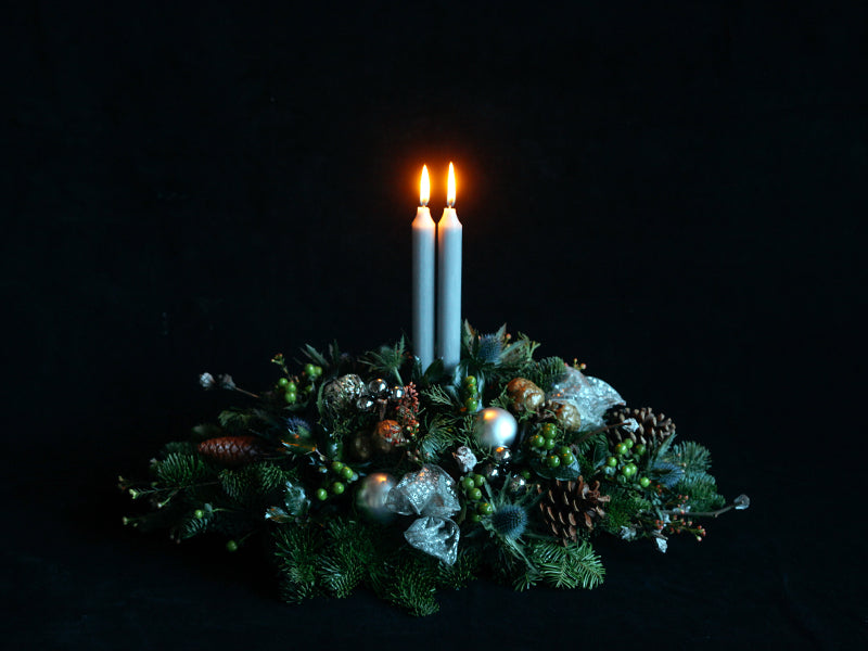 nordic christmas table flower arrangement