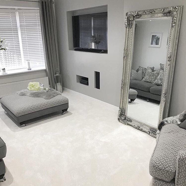 An overall view of this mirror in a typical setting.