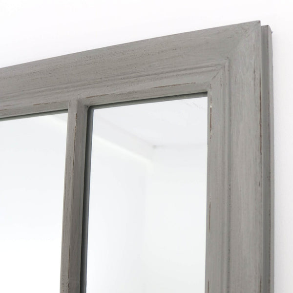 The contemporary detailing of this distinctive mirror.