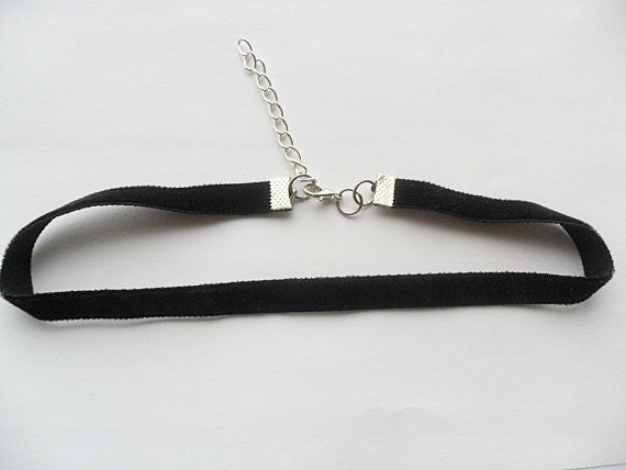 Sale: Midnight Black Velvet choker