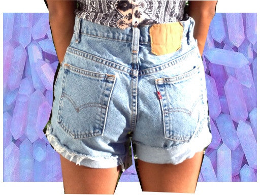 SALE: Large Plain Levi High waisted shorts