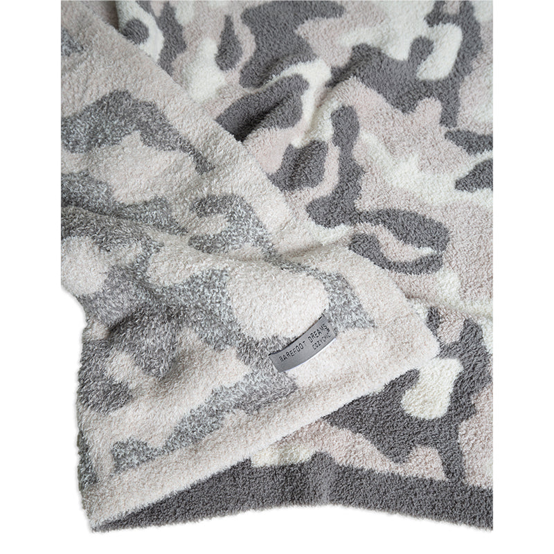 barefoot-dreams-camo-throw