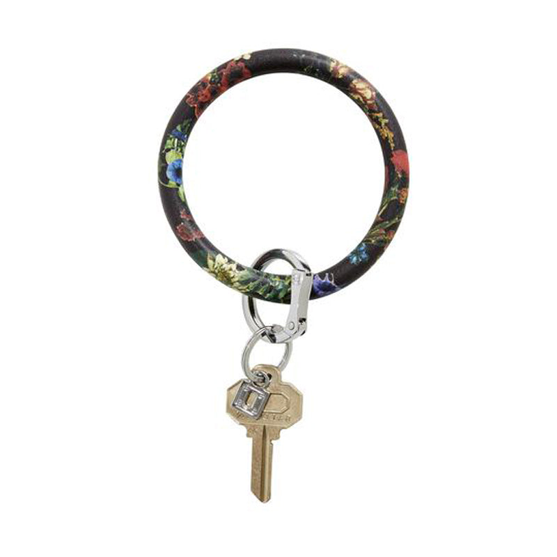 o-venture-big-o-leather-key-ring-back-in-black-floral