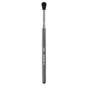 SIGMA BEAUTY | E38 Diffused Crease Brush