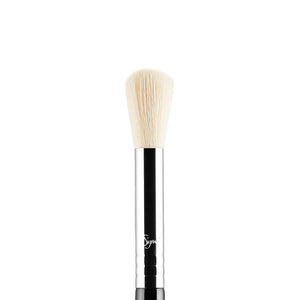 SIGMA BEAUTY | F06 Powder Sweep Brush