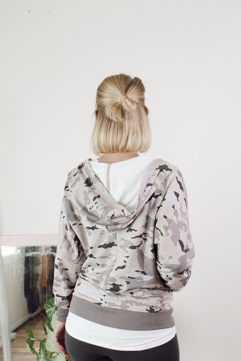 Pullover Pastel Camo Print Top