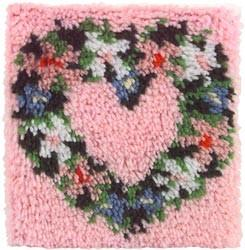 Wonderart Latch Hook Kit Heart Wreath 12inx12in