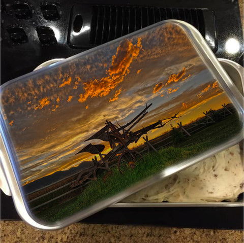 Beartooth Plow Cake Pan with Lid
