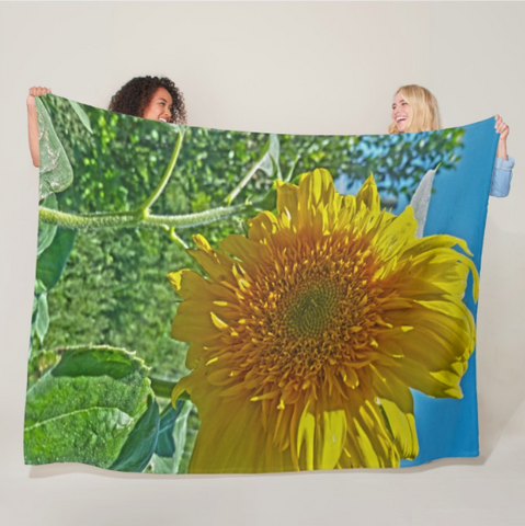 Candy Tuft Sunflower Fleece Blanket