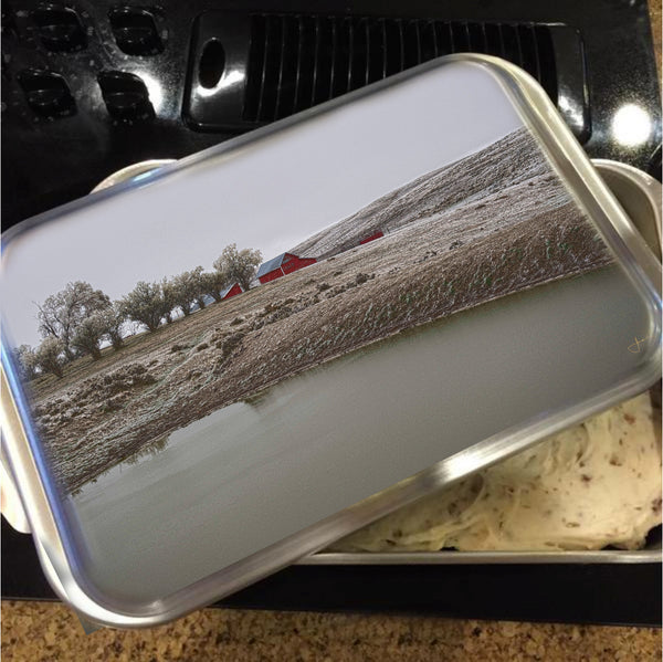 Early Wyoming Winter Cake Pan with Lid