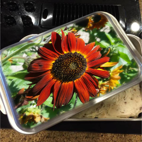 Hearts on Fire Sunflower Cake Pan with Lid
