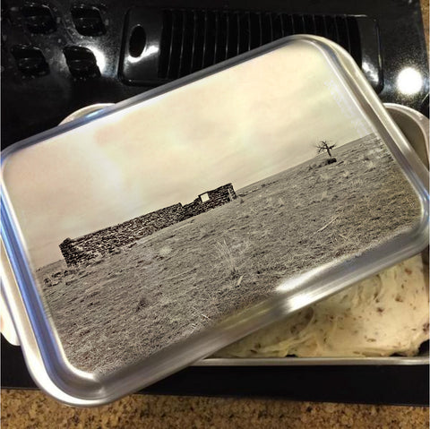 Homestead and Tree Cake Pan with Lid