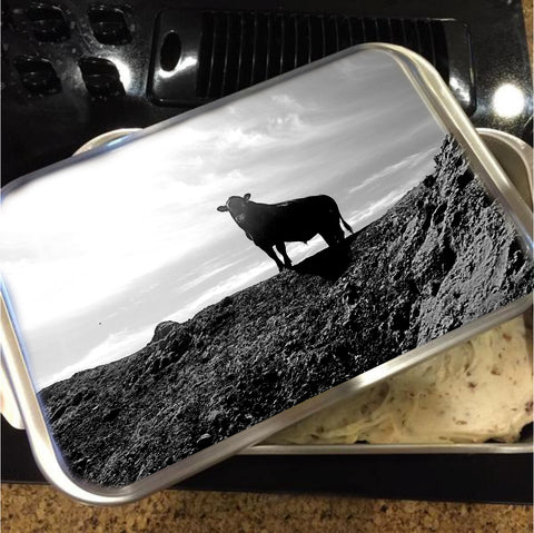 King of the Hill Cake Pan with Lid