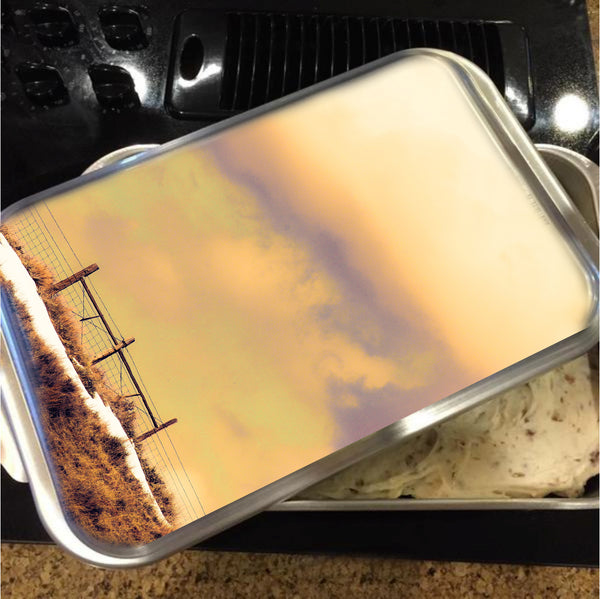 North Gate to Sunset Cake Pan with Lid