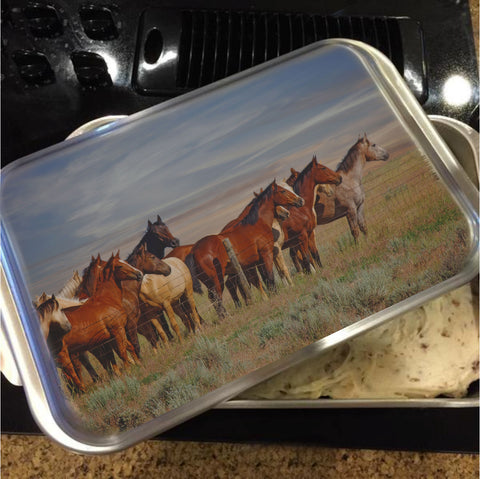 Over The Fenceline Cake Pan with Lid