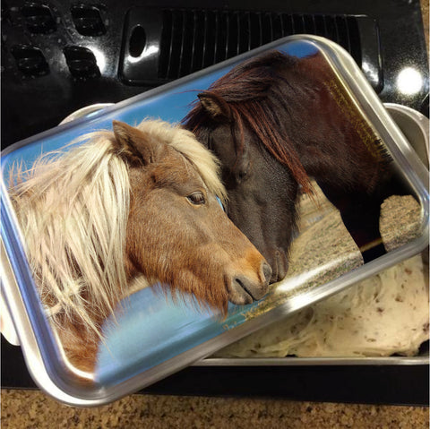 Pony Love Cake Pan with Lid