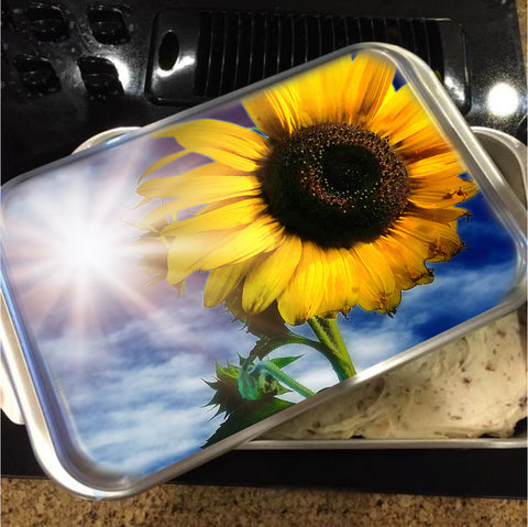 Shine Bright Cake Pan with Lid