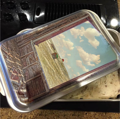 Somewhere in Time Cake Pan with Lid