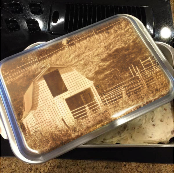 Sunny Daze Barn Cake Pan with Lid