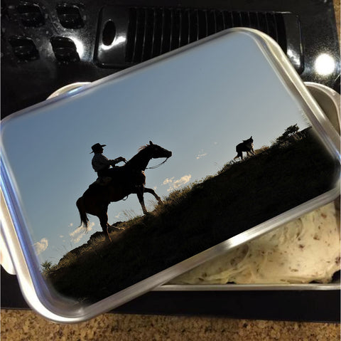 Sunset Ride Cake Pan with Lid