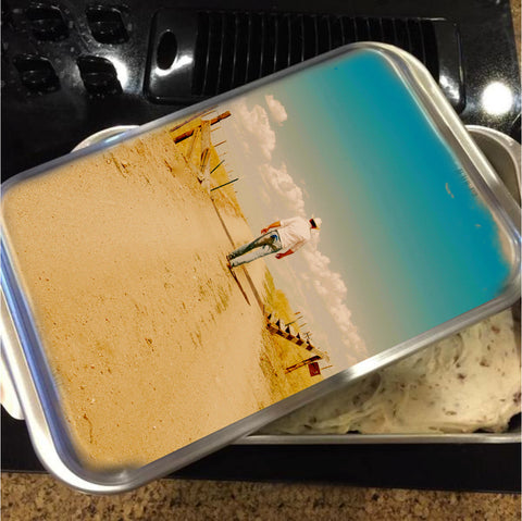 That Dusty Road Cake Pan with Lid
