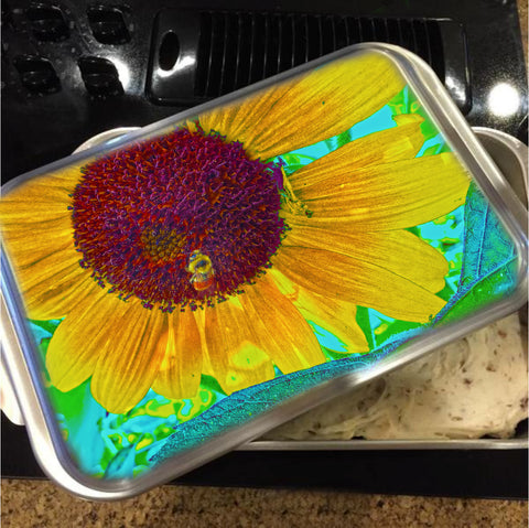 The Sunflower And The Bee Cake Pan with Lid