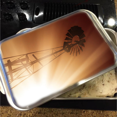 Tommy's Windmill Cake Pan with Lid