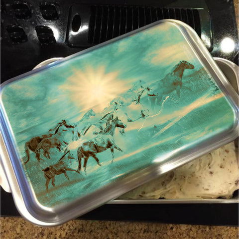 Turquoise Run in Spirit Cake Pan with Lid