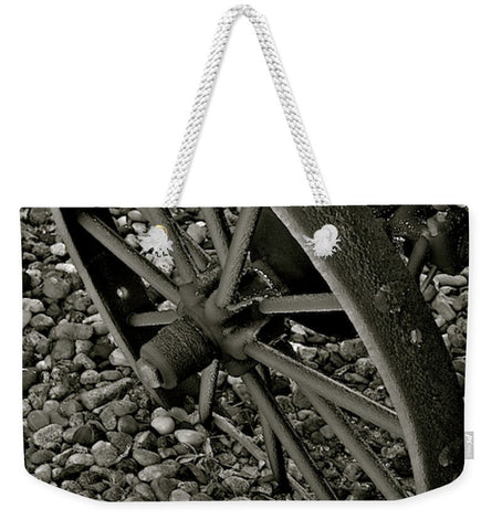 Wagon Wheel On Ice Weekender Tote bag