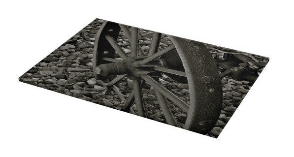 Wagon Wheel on Ice Cutting Board