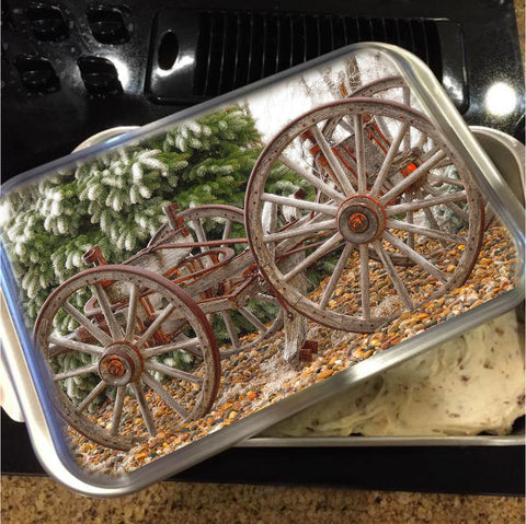 Wagon in Winter Cake Pan with Lid