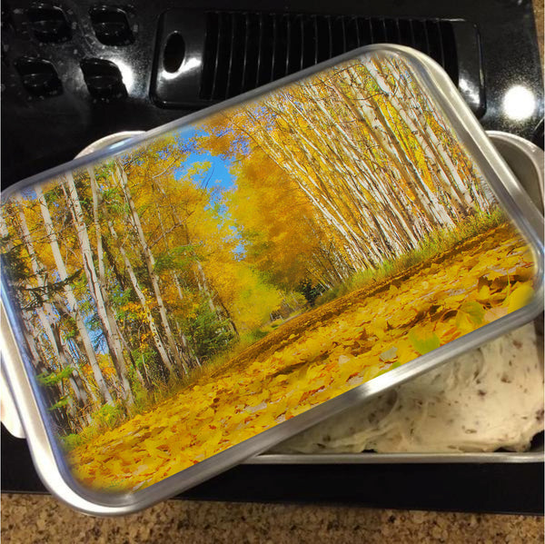 Yellow Leaf Road Cake Pan with Lid