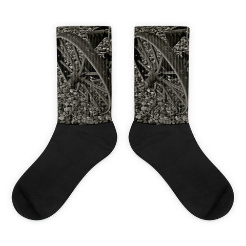 Wagon Wheel on Ice - Black foot socks
