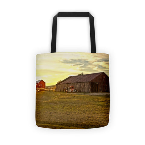 Leuenberger Barn at Sunset Tote bag