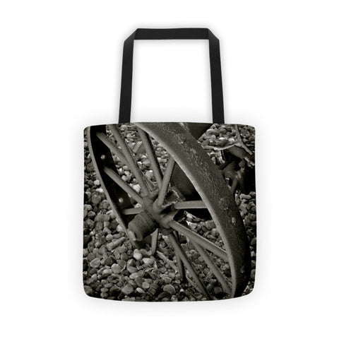 Wagon Wheel On Ice Tote bag