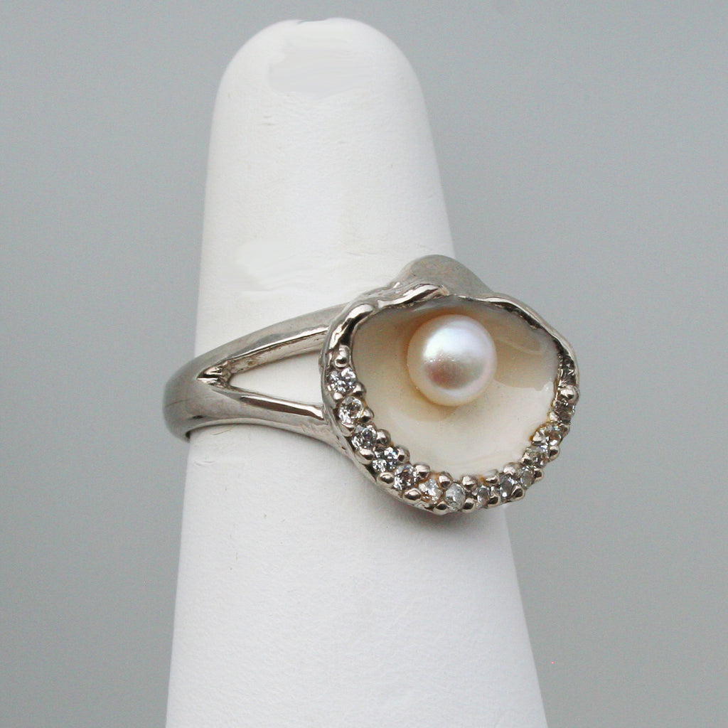 Oyster Shell with Pearl Ring