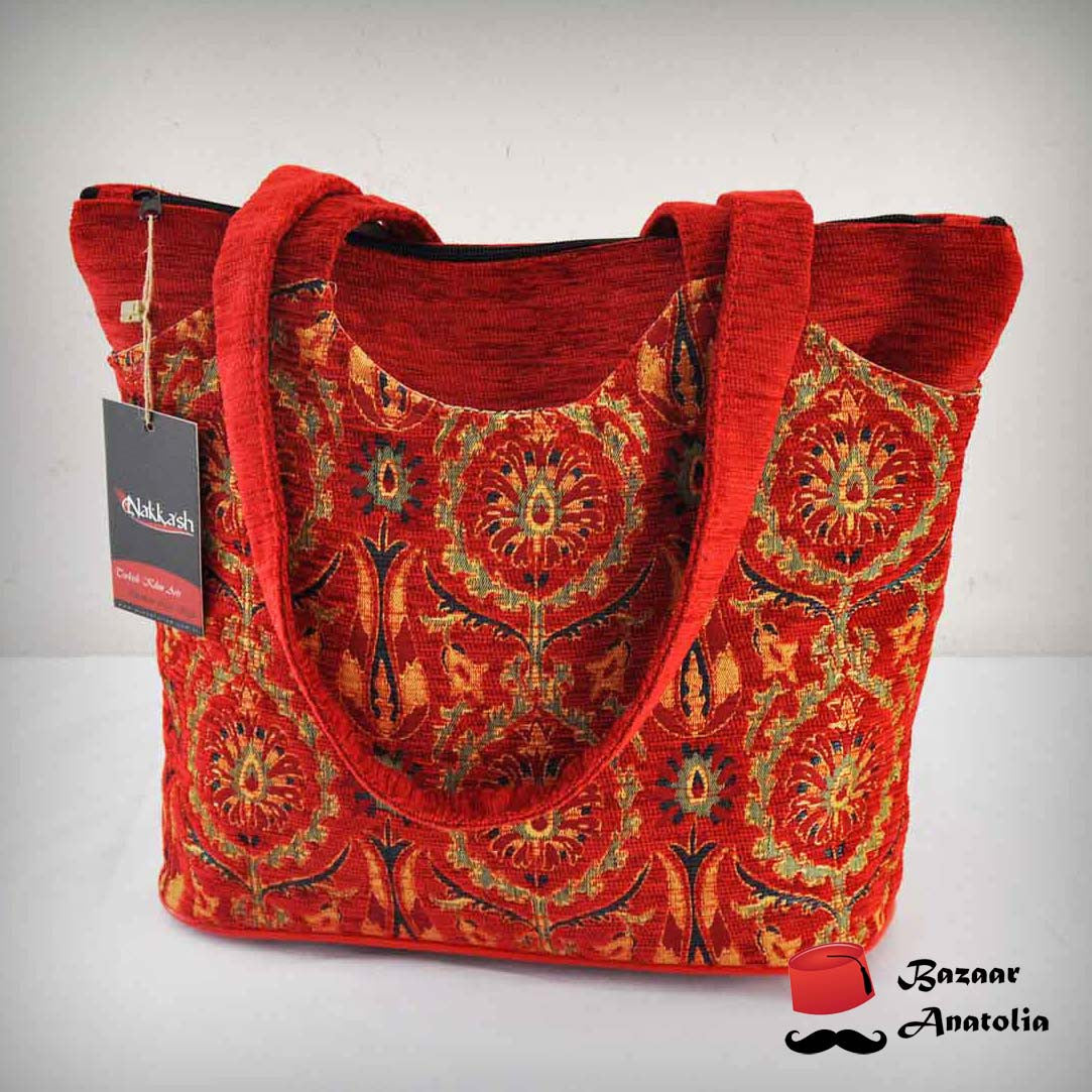 Kilim Desing Shoulder Bag (Red) - Bazaar Anatolia  - 1