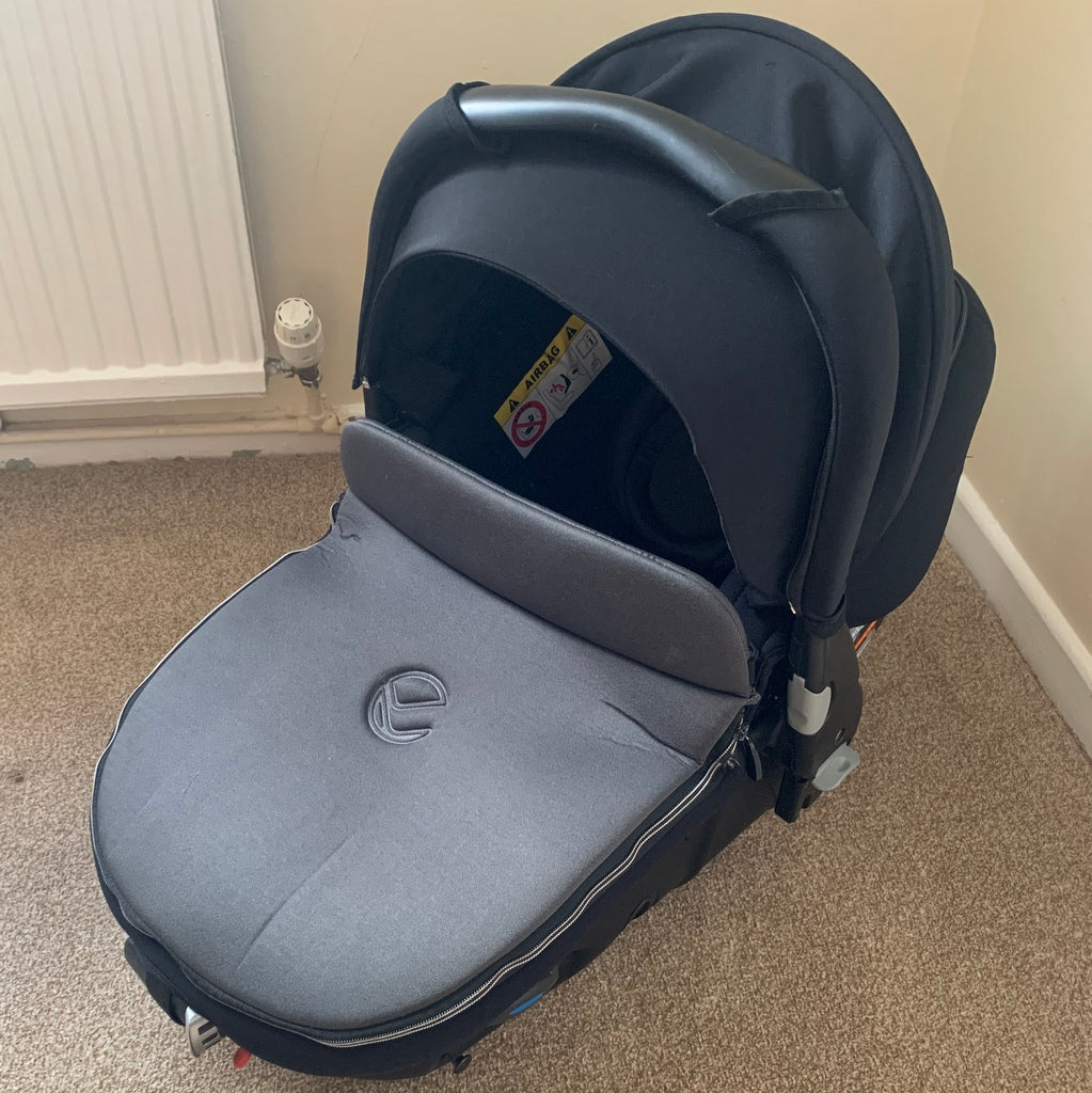 Jané Trider Travel System Matrix Light 2 Car Seat And Isofix, Black - Grade 2