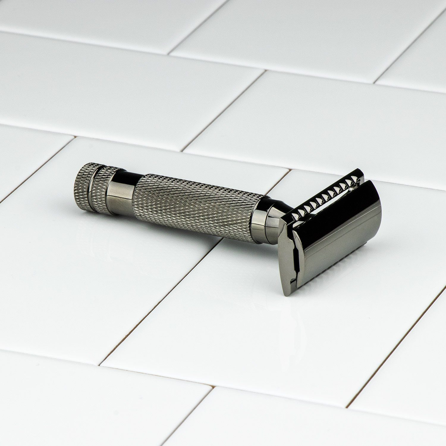 Hoxton Shave Co. Gun Metal Short Handle DE Safety Razor
